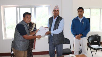 नेकपा शिवपुरीले गाउँपालिकालाई ज्ञापनपत्र बुझायो