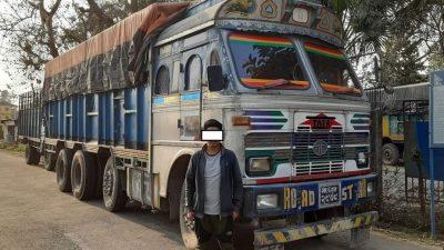 पैदलयात्रीलाइ ठक्कर दिएर फरार ट्रक र चालक प्रहरी नियन्त्रणमा