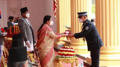 चितवनका एसपी अधिकारी 'प्रबल जनसेवा श्री (चतुर्थ)' विभूषणबाट सम्मानित