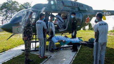 संखुवासभामा गर्भवतीको हेलिकप्टरबाट उद्धार ( फोटोफिचर )